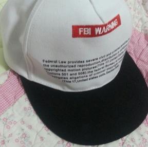 예뻐서 모자를 샀는데..