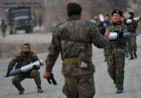 한국 기갑병 vs 일본 여고생