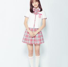 프로듀스48에 출연한 아큐브 광고녀