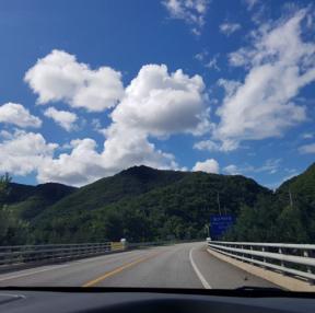 구름이 예쁘던 어느날