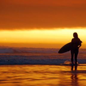 서핑과 노을