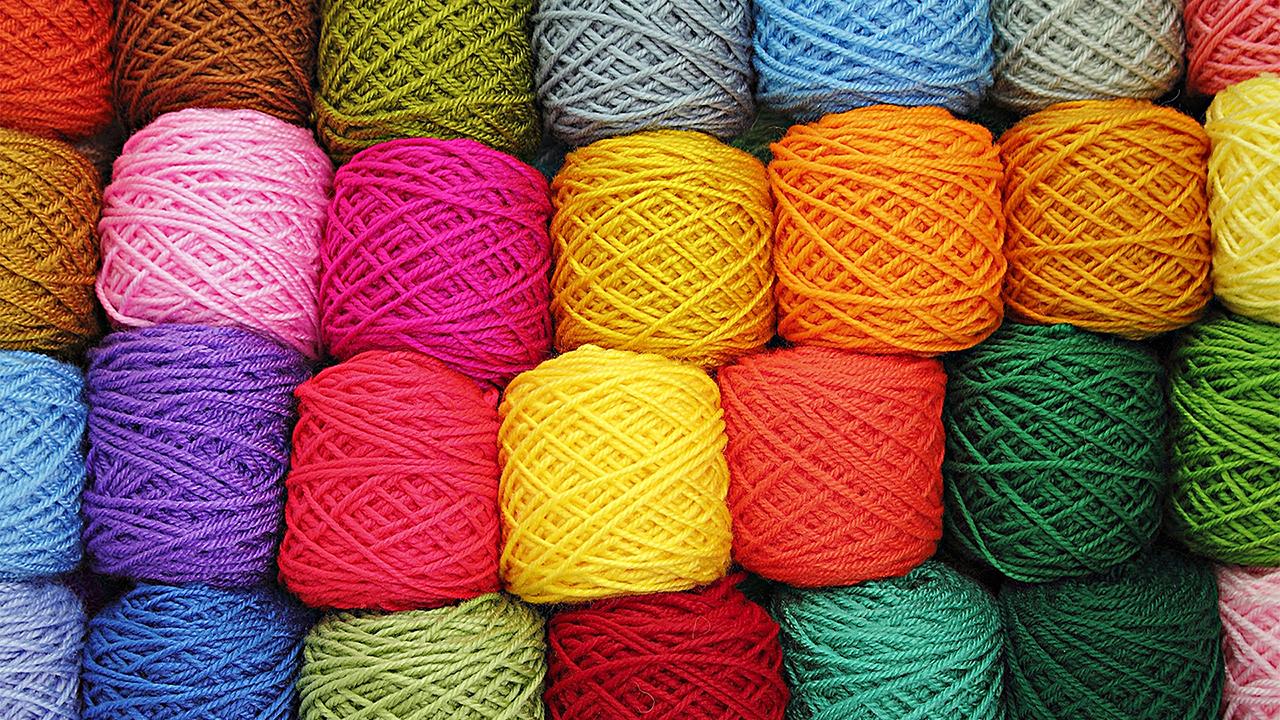 2_Knitting Balls.jpg
