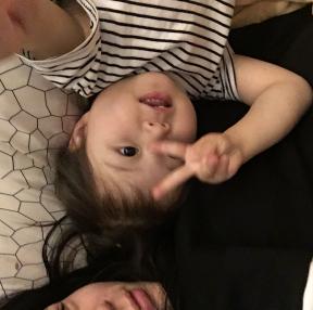조카 4살아이의 셀카